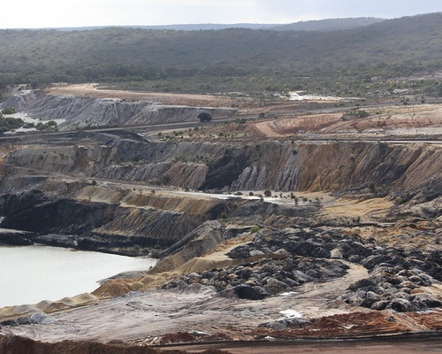 Beyond the discourse of denial: The reproduction of fossil fuel hegemony in Australia